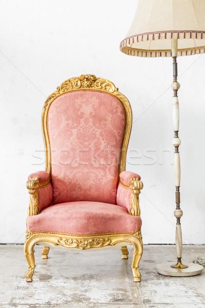 Roze vintage stoel lamp retro-stijl hout Stockfoto © vichie81