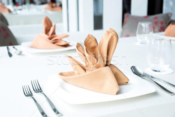 Eettafel ingesteld arrangement wijn diner Stockfoto © vichie81