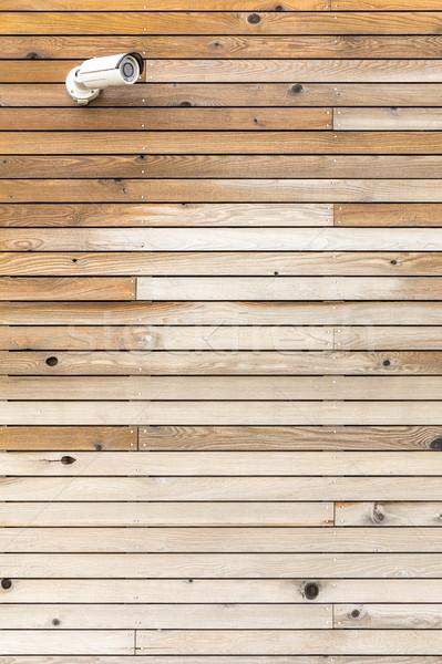 Camera cctv bewakingscamera houten paneel muur Stockfoto © vichie81