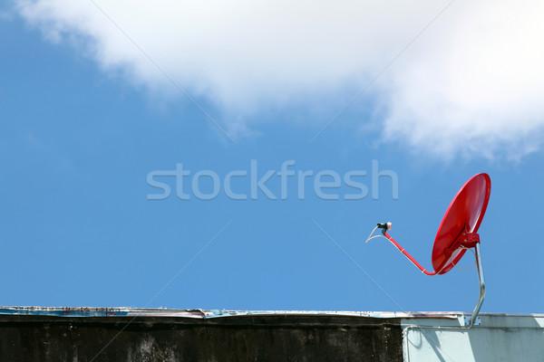 Aislado rojo satélite soleado cielo azul cielo Foto stock © vichie81