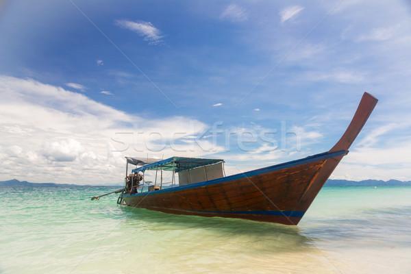 Uzun kuyruk tekne tropikal plaj tropikal Stok fotoğraf © vichie81