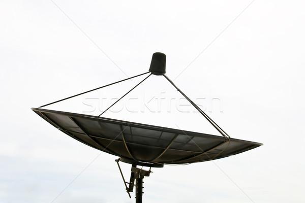 Grande preto satélite sem nuvens céu Foto stock © vichie81