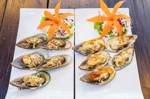 Grilled New zealand mussels Stock photo © vichie81