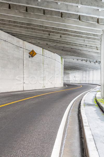 Tunnel montagne intérieur urbaine route rue Photo stock © vichie81
