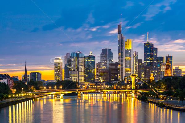 Frankfurt wolkenkrabber Duitsland schemering mijn Stockfoto © vichie81