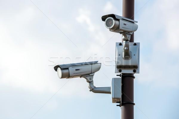 Cctv bewakingscamera blauwe hemel hemel televisie video Stockfoto © vichie81