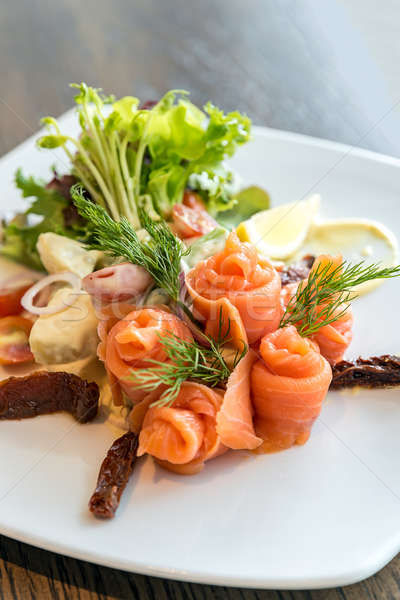 Saumon sashimi salade salade de pommes de terre alimentaire mer Photo stock © vichie81
