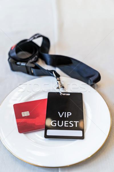 Vip tarjeta de crédito blanco plato negocios alimentos Foto stock © vichie81