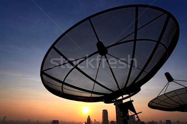 Communication noir antenne coucher du soleil ciel Photo stock © vichie81