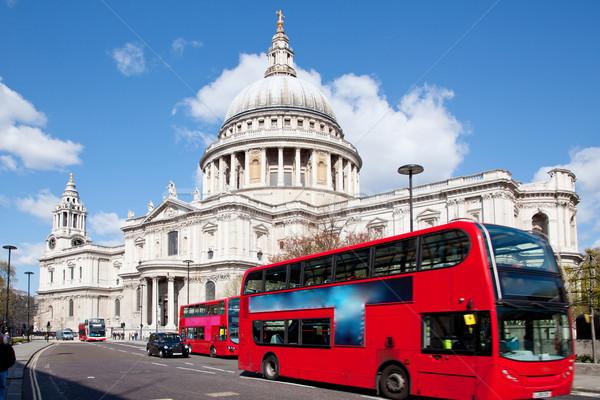 Katedral Londra otobüs İngiltere Büyük Britanya çiçek Stok fotoğraf © vichie81