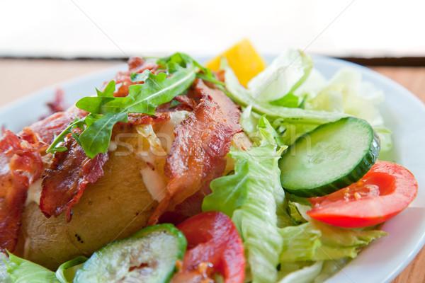 Giacca patate panna acida formaggio grattugiato verde insalata Foto d'archivio © vichie81