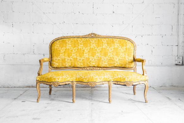 Gelb Retro Sofa Klassischen Stil Sessel Stock Foto