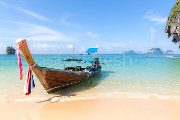 Tropisch strand boot traditioneel lang staart boten Stockfoto © vichie81