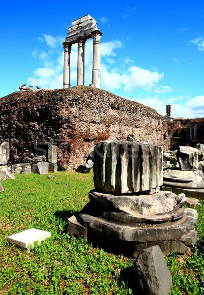 Arruinar romano fórum Roma Itália edifício Foto stock © vichie81