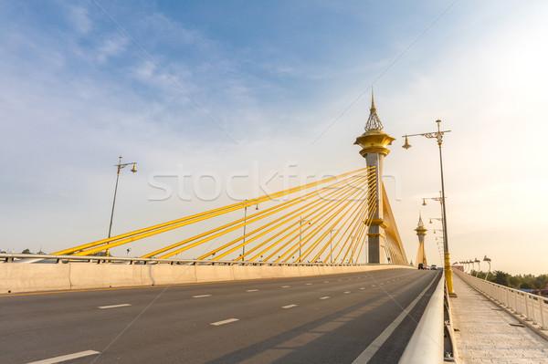 Ponte céu escritório água cidade construção Foto stock © vichie81