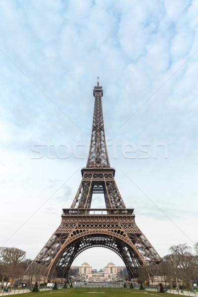 Wieża Eiffla Błękitne niebo Paryż Francja niebo budynku Zdjęcia stock © vichie81