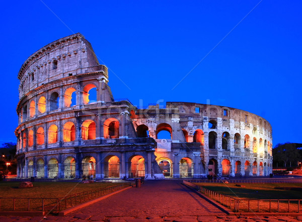 Colosseum Rome Italië nacht schemering normaal Stockfoto © vichie81