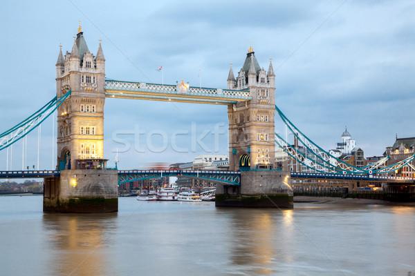 London Tower Bridge folyó Temze nemzetközi látványosság Anglia Stock fotó © vichie81