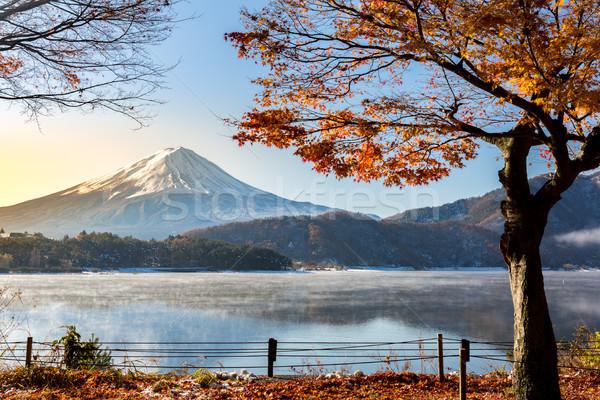 Fuji gündoğumu göl sabah sonbahar kar Stok fotoğraf © vichie81