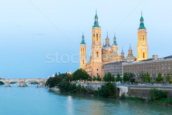 Basiliek Spanje dame pijler rivier schemering Stockfoto © vichie81