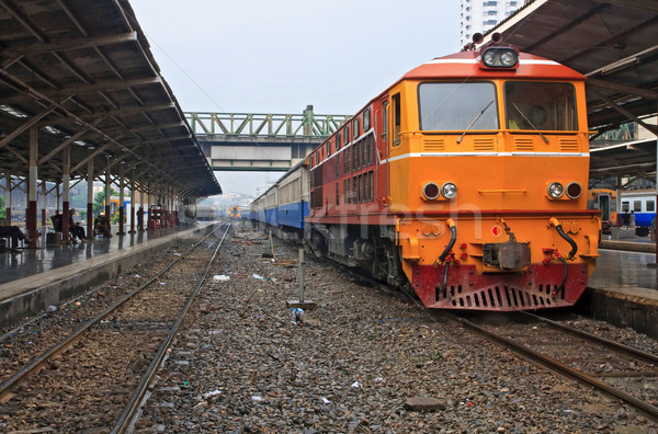 Diesel Lokomotive Zug rot orange Bangkok Stock foto © vichie81
