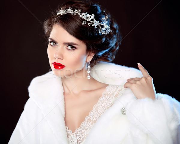 Moda portre güzel genç kadın beyaz kürk Stok fotoğraf © Victoria_Andreas