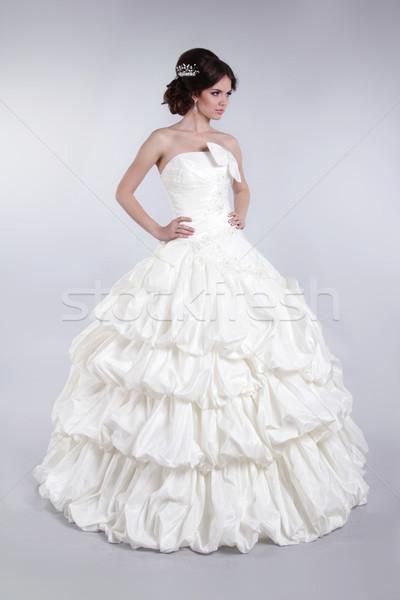 Stockfoto: Mooie · bruid · bruiloft · luxueus · jurk · brunette