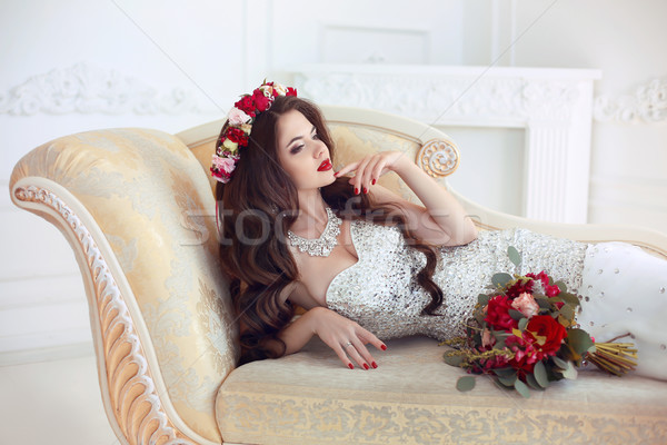 Gyönyörű barna hajú menyasszony esküvő portré piros ajkak Stock fotó © Victoria_Andreas