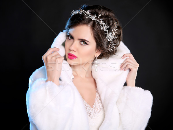 Mode portret mooie vrouw witte pels duur Stockfoto © Victoria_Andreas