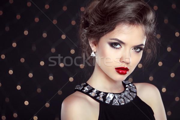 Belle brunette femme modèle maquillage coiffure Photo stock © Victoria_Andreas