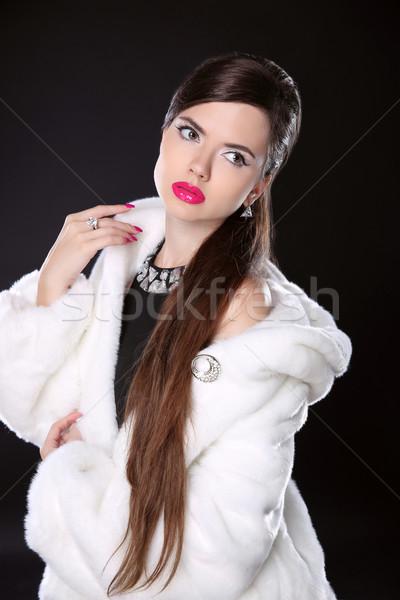 Güzellik moda model kız beyaz kürk Stok fotoğraf © Victoria_Andreas