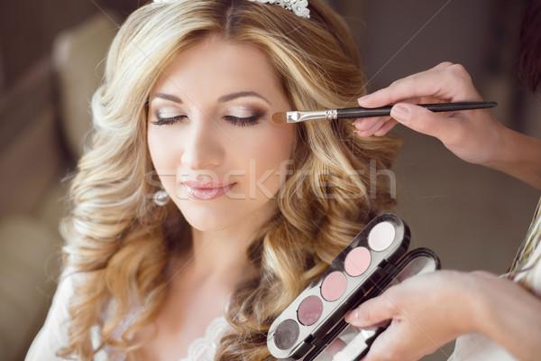 Gyönyörű menyasszony lány esküvő smink hajviselet Stock fotó © Victoria_Andreas