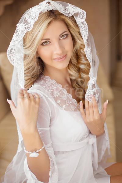 美しい 笑みを浮かべて 花嫁 ブライダル ベール ウェディングドレス ストックフォト © Victoria_Andreas