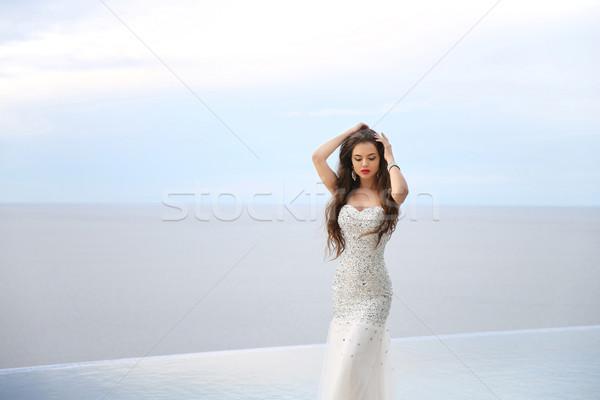 Mooie bruid trouwjurk outdoor portret brunette Stockfoto © Victoria_Andreas