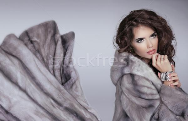Kürk kış kız güzel esmer kadın Stok fotoğraf © Victoria_Andreas