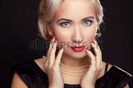 Retro nő portré piros ajkak szőke hajviselet nő Stock fotó © Victoria_Andreas