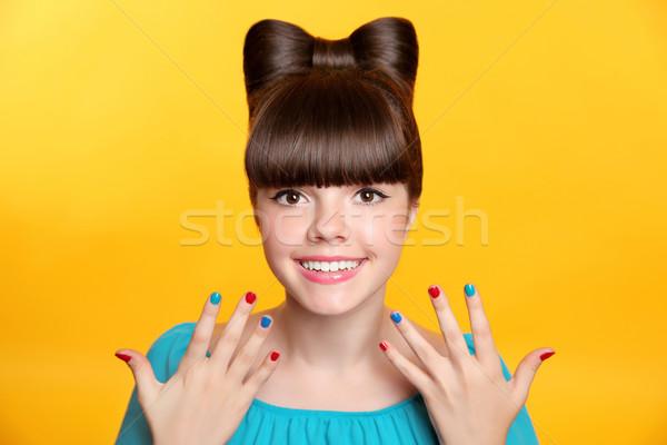 Stock fotó: Boldog · mosolyog · tinilány · íj · hajviselet · színes