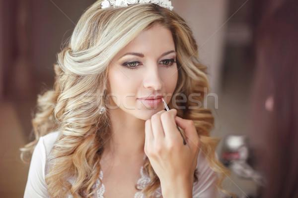 Gyönyörű menyasszony nő esküvő smink hajviselet Stock fotó © Victoria_Andreas