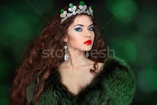 Mooie vrouw luxe pels sieraden schoonheid mode Stockfoto © Victoria_Andreas