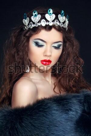 Güzel esmer kadın kürk takı moda Stok fotoğraf © Victoria_Andreas