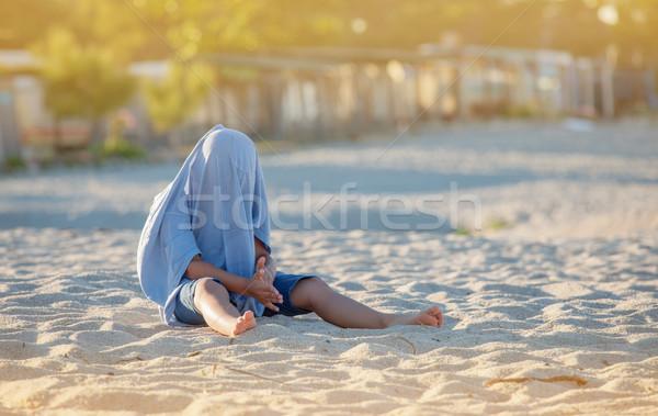 隠蔽 子供 ビーチ Tシャツ 砂浜 夏 ストックフォト © vilevi