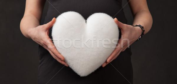 Embarazo corazón blanco abdomen manos mujer embarazada Foto stock © vilevi