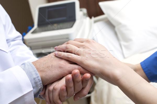 Medico mani paziente ospedale primo piano Foto d'archivio © vilevi