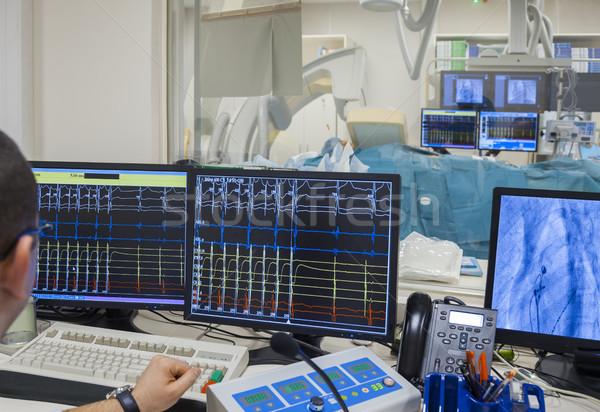 Operación latido del corazón Xray imagen moderna Foto stock © vilevi