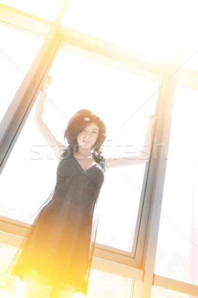 Stock fotó: Fiatal · gyönyörű · női · gyönyörű · nő · nyújtás · karok