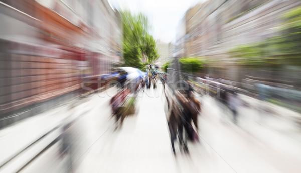 Gyalogos utca mozgás zoom elmosódott vízszintes Stock fotó © vilevi
