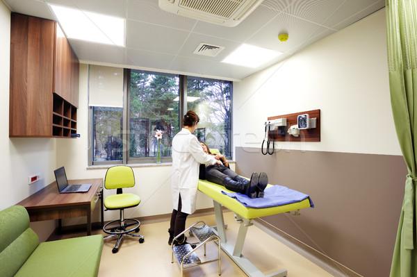 общий практикующий врач врач клинике экзамен пациент Сток-фото © vilevi