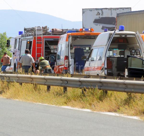 út baleset mentő pár tűzoltóság teherautó Stock fotó © vilevi