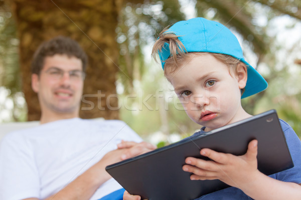Kid ragazzo piccolo tablet sporca bocca Foto d'archivio © vilevi