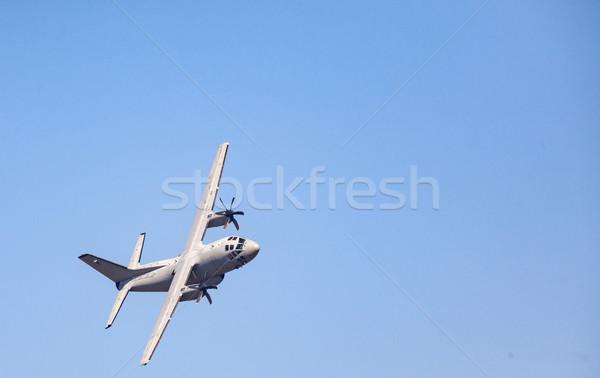 Militärischen Fracht Flugzeug schwierig Macht modernen Stock foto © vilevi